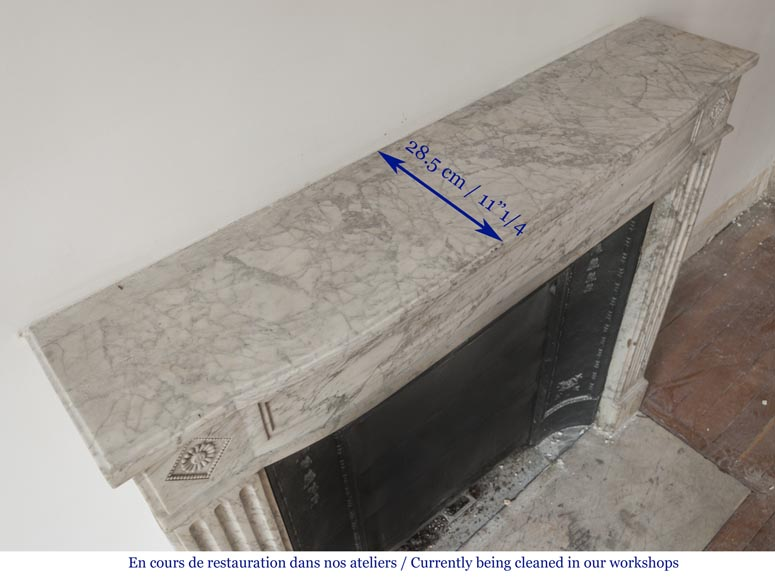 Beautiful antique fireplace from Louis XVI era in Arabescato marble decorated with rosettes and small pearls-10