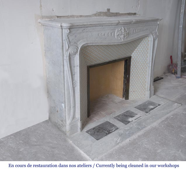 Beautiful antique Louis XV - Regence style inspired fireplace made of Carrara marble-2