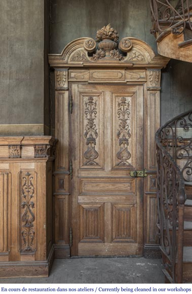 A beautiful set of carved wood two doors and dadoes-6