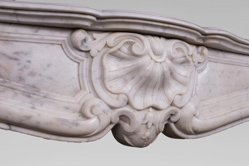 Antique Louis XV style fireplace with three shells in Carrara marble-2