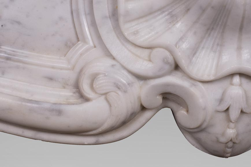 Antique Louis XV style fireplace with three shells in Carrara marble-3