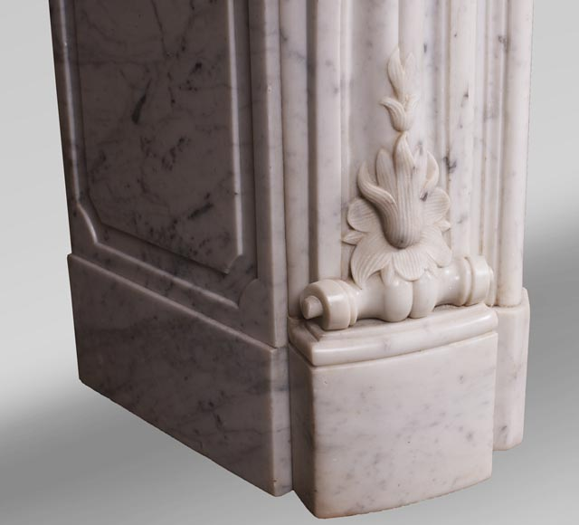 Antique Louis XV style fireplace with three shells in Carrara marble-6