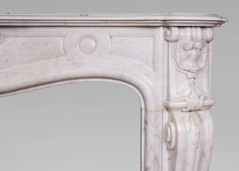 Antique Louis XV style fireplace with three shells in Carrara marble-8