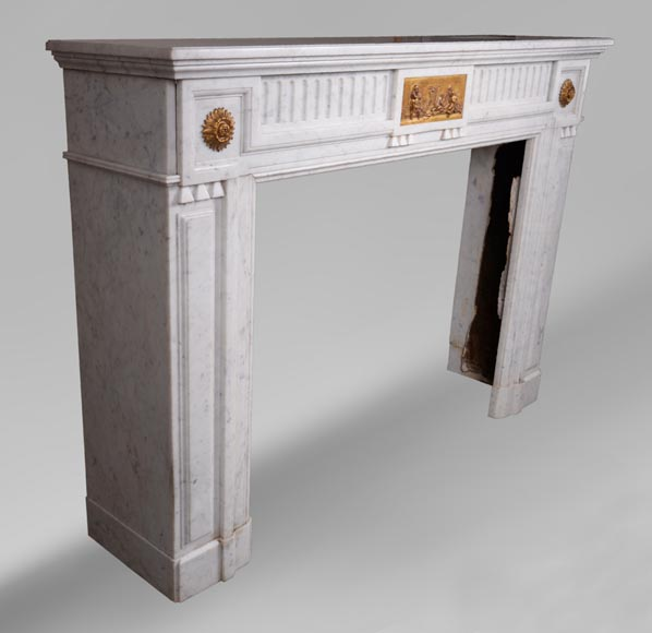 Antique Napoleon III style fireplace in Carrara marble and gilded bronze ornaments-2