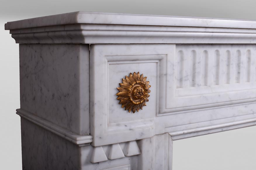 Antique Napoleon III style fireplace in Carrara marble and gilded bronze ornaments-3