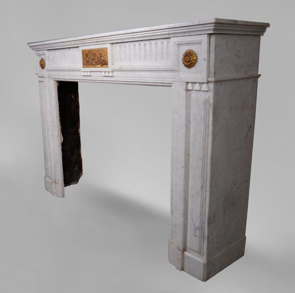 Antique Napoleon III style fireplace in Carrara marble and gilded bronze ornaments-5