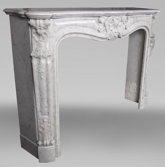 An antique Louis XV style fireplacewith three shells made out of Carrara marble-4