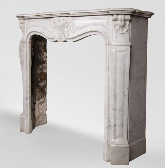 Antique Louis XV style three-shell fireplace in Carrara marble-5