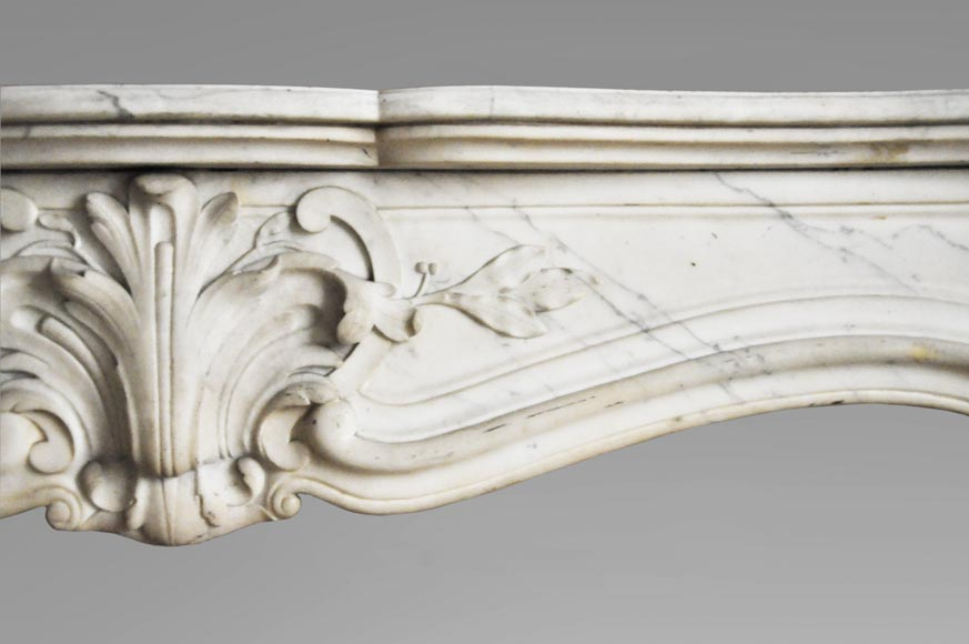 Antique Louis XV style fireplace in white Carrara marble with shells decor-3