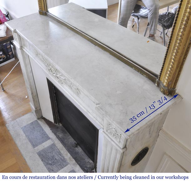 Antique Louis XVI style fireplace in Carrara marble with laurel wreath decoration-8