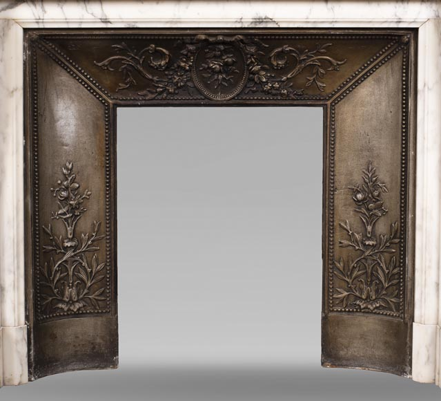Antique Louis XVI style Arabescato marble fireplace with pearl friezes-11