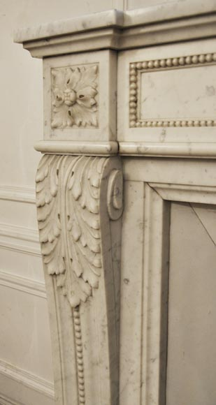 Antique Louis XVI style fireplace in Carrara marble, decorated with acanthus leaves-4