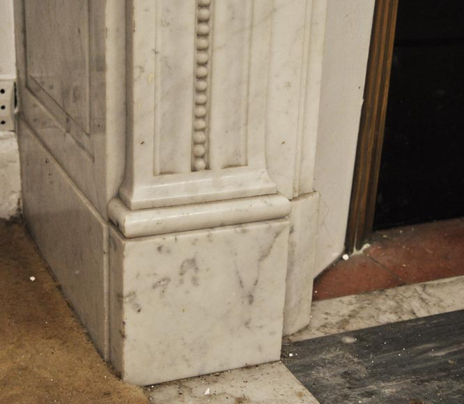Antique Louis XVI style fireplace in Carrara marble, decorated with acanthus leaves-5