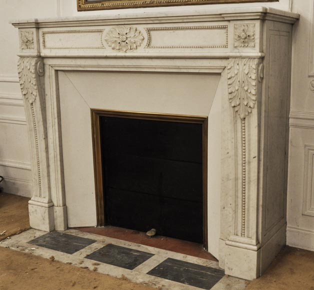 Antique Louis XVI style fireplace in Carrara marble, decorated with acanthus leaves-6