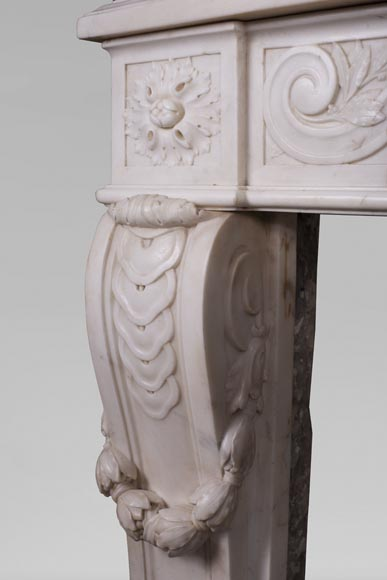 Antique Louis XVI style fireplace in statuary marble with a beautiful vitruvian frieze-5