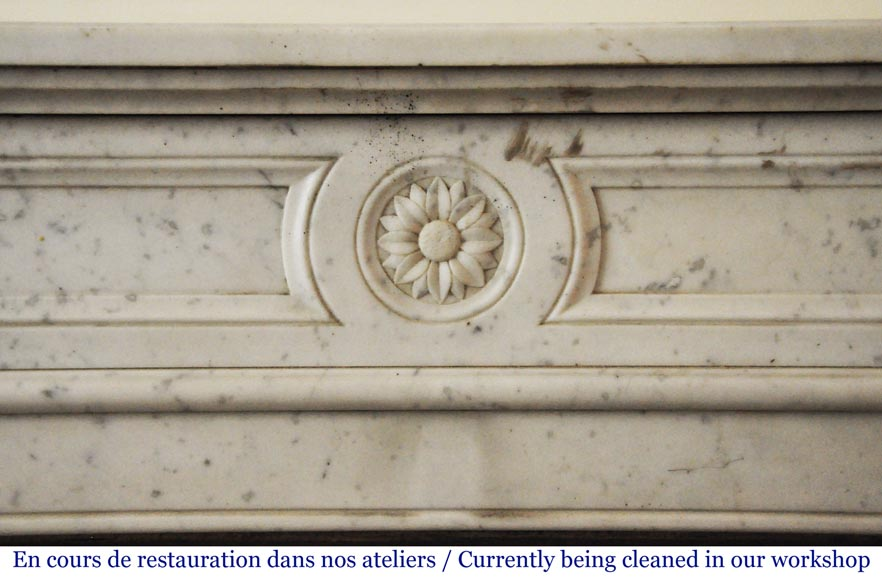 Antique Louis XVI style fireplace in Carrara marble with rounded corners-1