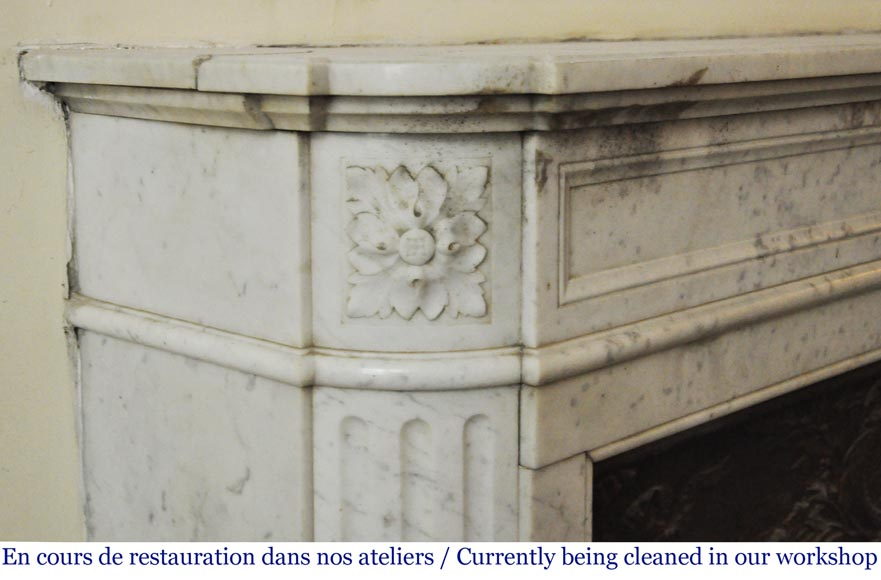 Antique Louis XVI style fireplace in Carrara marble with rounded corners-3