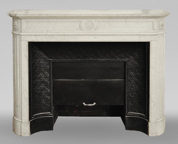 Antique Louis XVI style mantel with rounded corners in Carrara marble-0