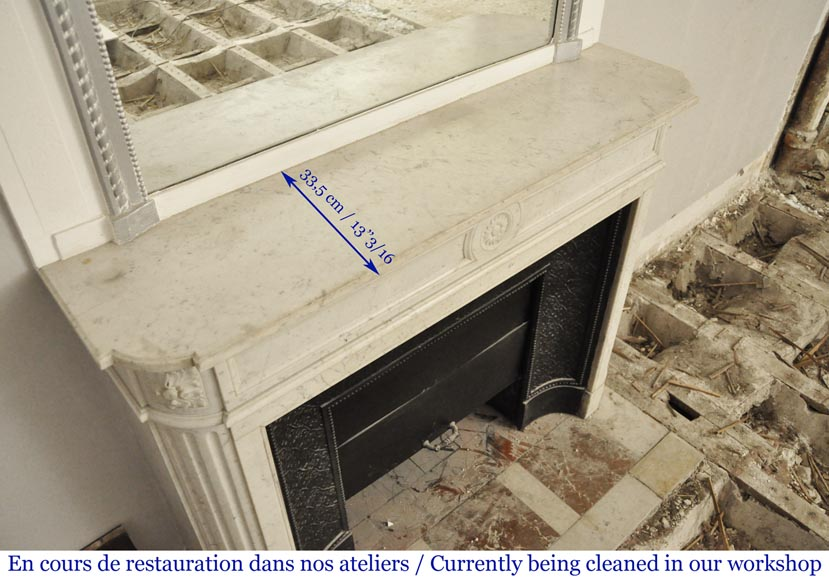 Antique Louis XVI style mantel with rounded corners in Carrara marble-8