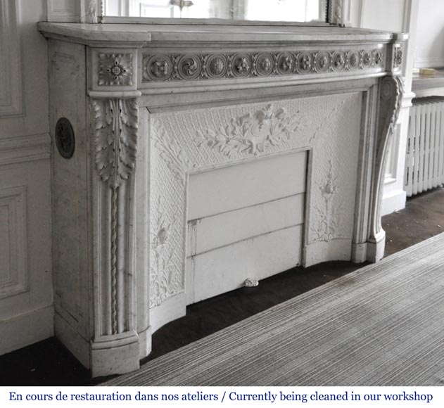 Very beautiful antique Louis XVI style fireplace decorated with carved flowers in medallions in White Carrara marble-4