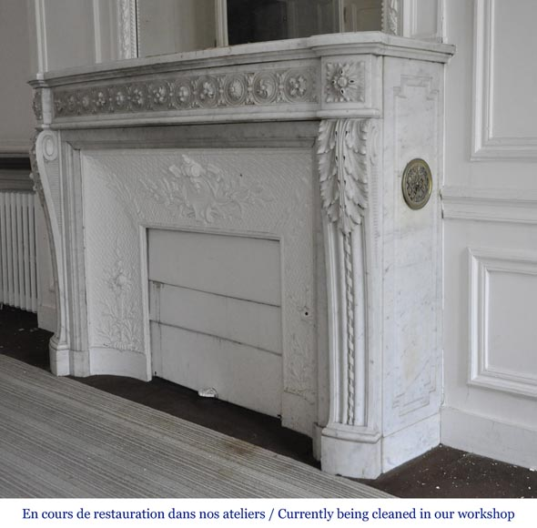 Very beautiful antique Louis XVI style fireplace decorated with carved flowers in medallions in White Carrara marble-7