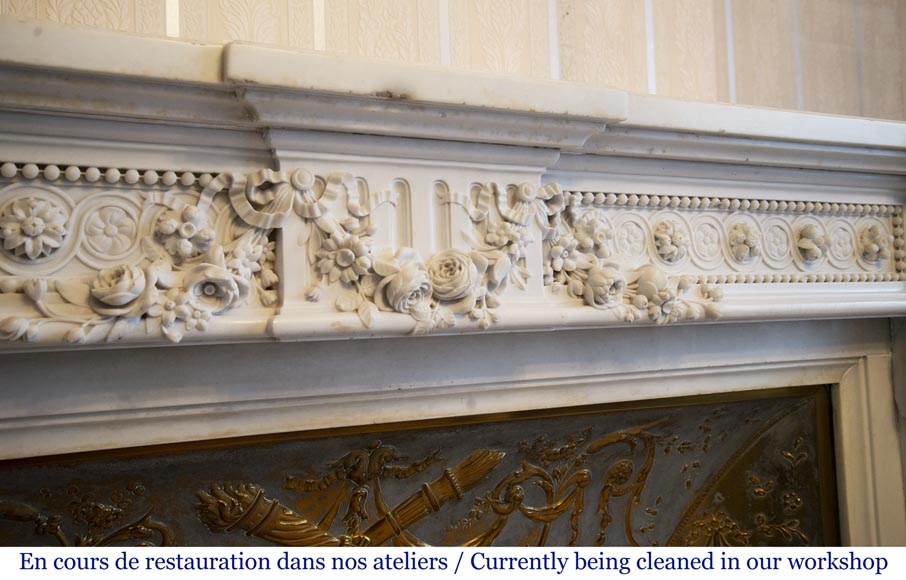 Exceptional antique Louis XVI style mantel in Blanc P de Carrara marble ornamented with pearls and garlands of flowers-2