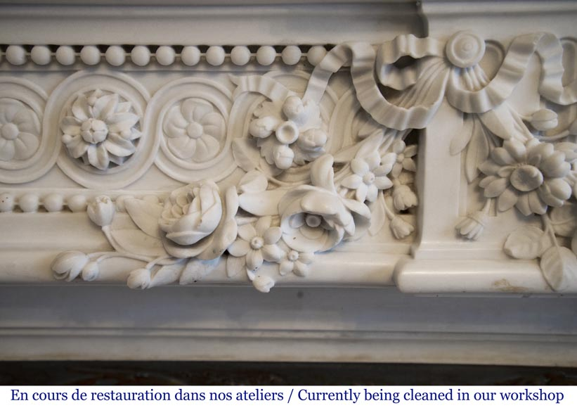 Exceptional antique Louis XVI style mantel in Blanc P de Carrara marble ornamented with pearls and garlands of flowers-4