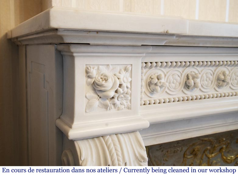 Exceptional antique Louis XVI style mantel in Blanc P de Carrara marble ornamented with pearls and garlands of flowers-7
