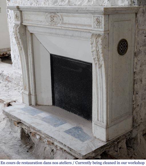 Antique Louis XVI style fireplace with acanthus leaf decoration in Carrara marble-4