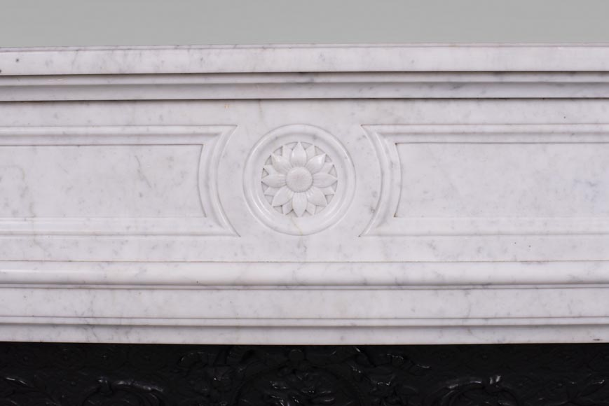 Antique Louis XVI style fireplace with rounded corners in Carrara marble-1