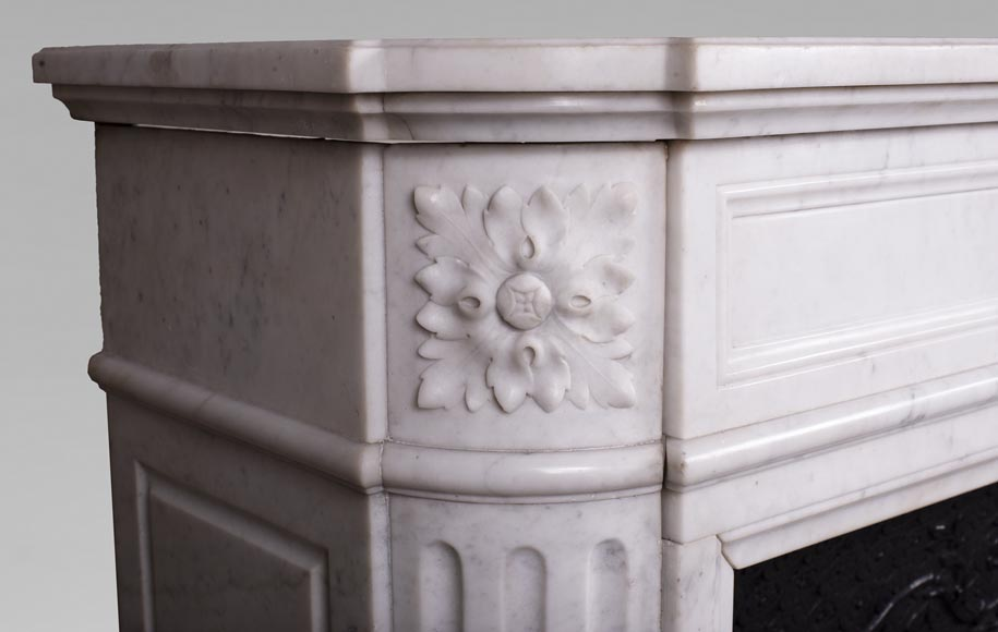 Antique Louis XVI style fireplace with rounded corners in Carrara marble-3
