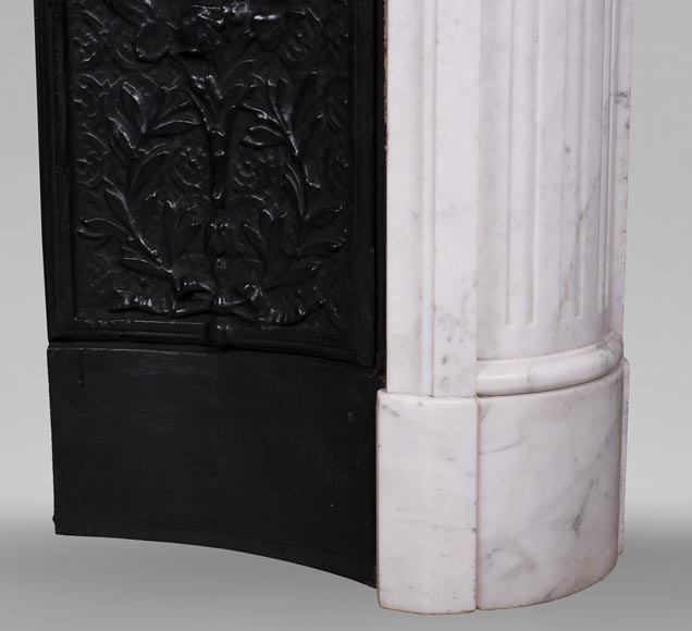 Antique Louis XVI style fireplace with rounded corners in Carrara marble-8