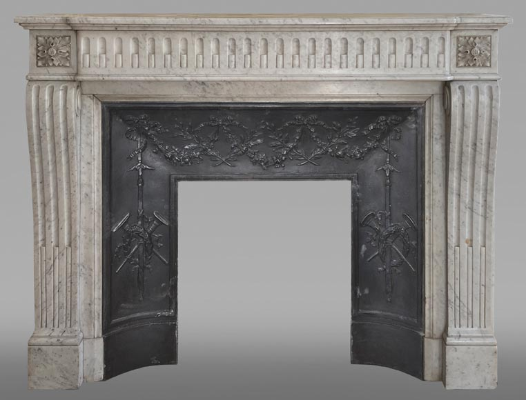 Antique Louis XVI style fluted fireplace in Carrara marble-0