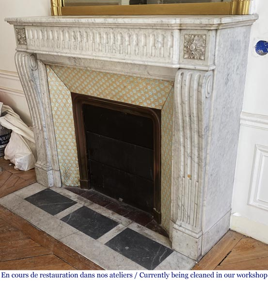 Antique Louis XVI style fluted fireplace in Carrara marble-3