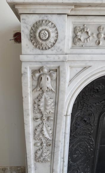 Antique Napoleon III style fireplace in Carrara marble carved with oak leaves-3