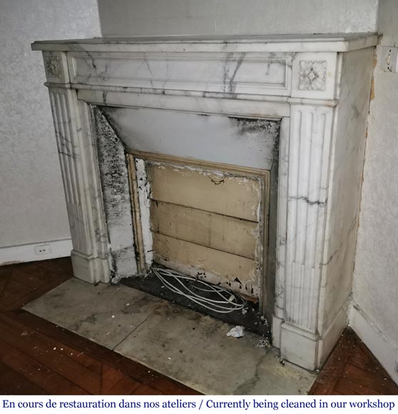 Antique Louis XVI style fireplace with rosette in Arabescato marble-5