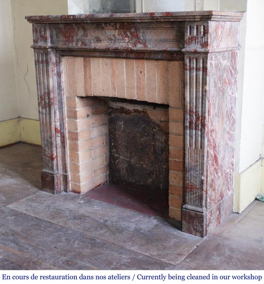 Antique Louis XVI style mantel in Enjugerais marble with its hearth floor-5