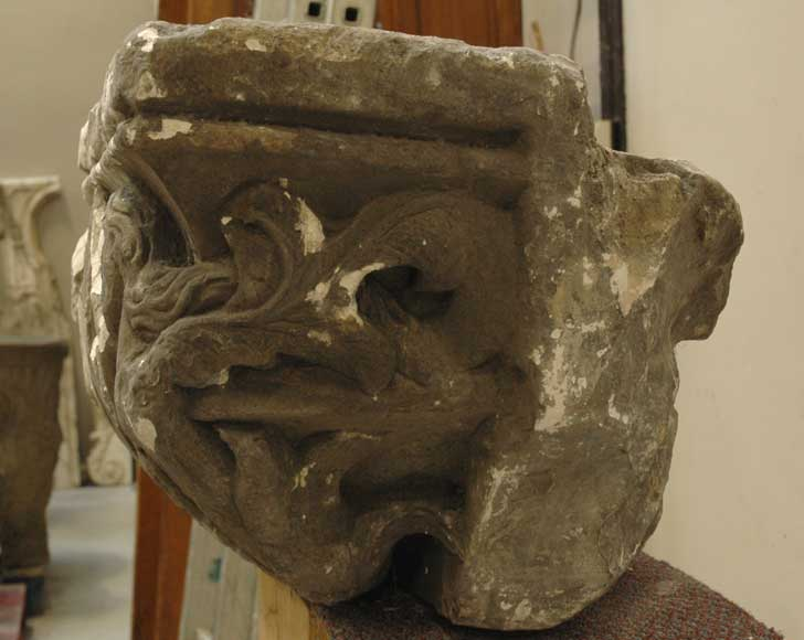 Gothic stone capital with coat of arms-3