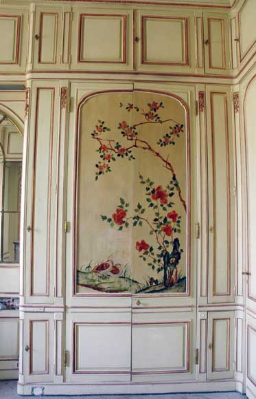 Paneled room with Coromandel lacquer panels-8