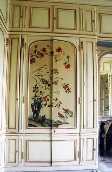 Paneled room with Coromandel lacquer panels-18