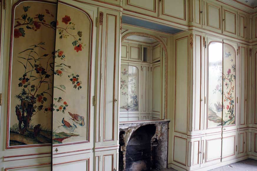 Paneled room with Coromandel lacquer panels-23