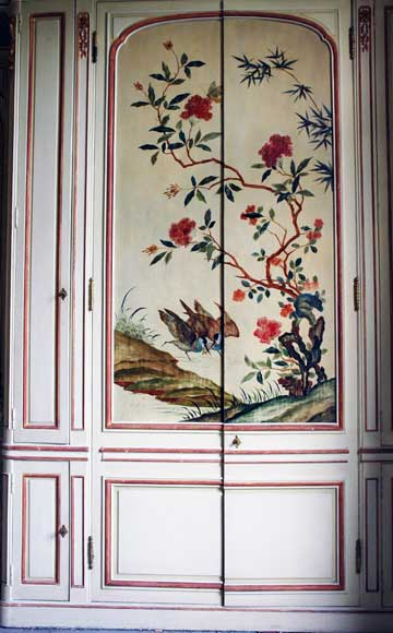Paneled room with Coromandel lacquer panels-30