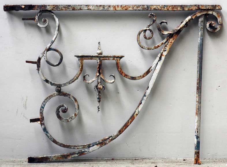 Wrought iron bracket from Large Louis XIV period -0