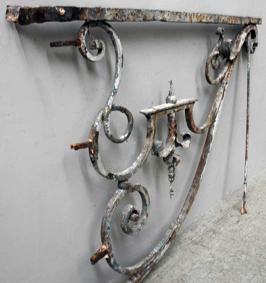 Wrought iron bracket from Large Louis XIV period -1
