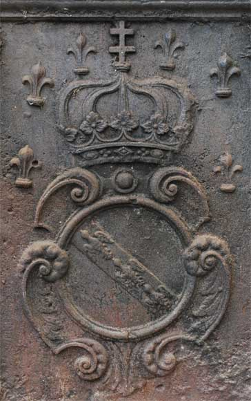 Antique cast iron fireback with coat of arms from the 18th century-1