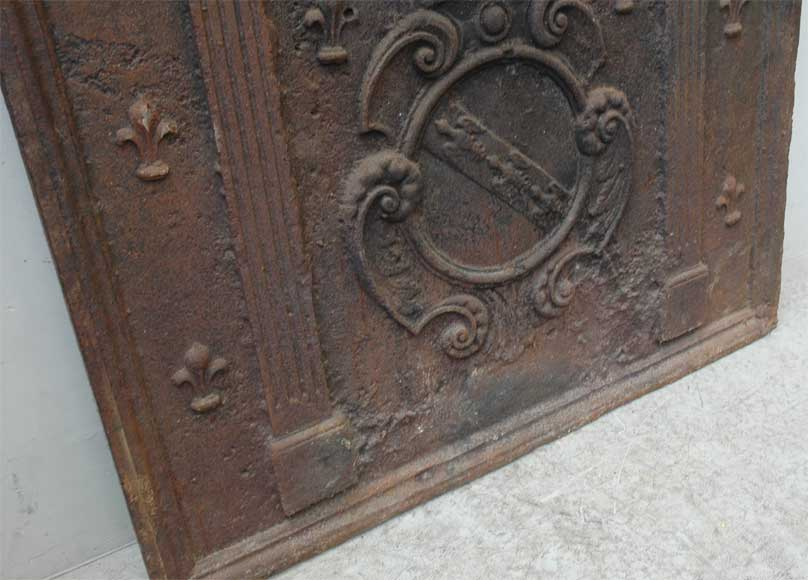 Antique cast iron fireback with coat of arms from the 18th century-4