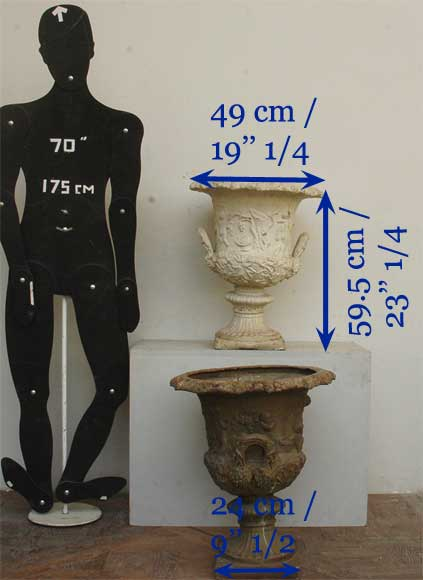 Pair of antique lead vases from the 19th century with putti-11