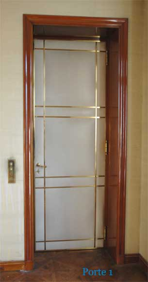 Four leather and brass doors - Reference 9751