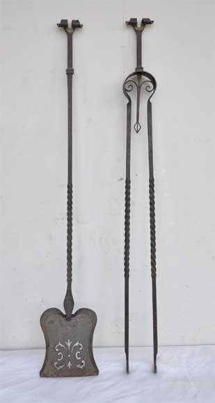 Fireplaces' accessories : plier and shovel in ironwork-0
