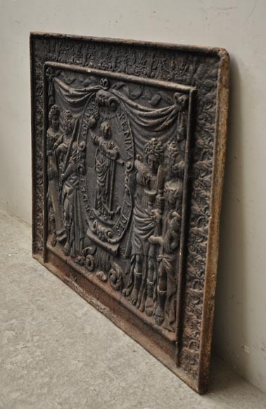 Big antique fireback with jansenist decoration-8